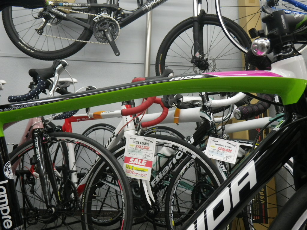 今日の川口店 派手な自転車は ...